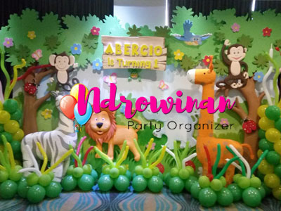 backdrop dekorasi styrofoam tema jungle