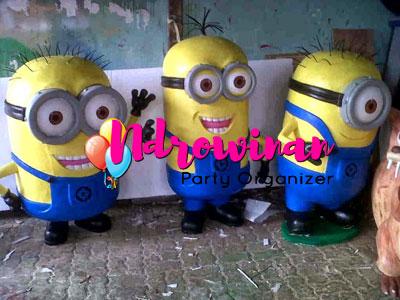 properti dekorasi styrofoam karakter minion