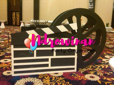 properti dekorasi styrofoam tema film