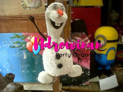 properti dekorasi styrofoam tokoh kartun