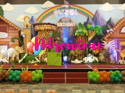 styrofoam backdrop tema jungle