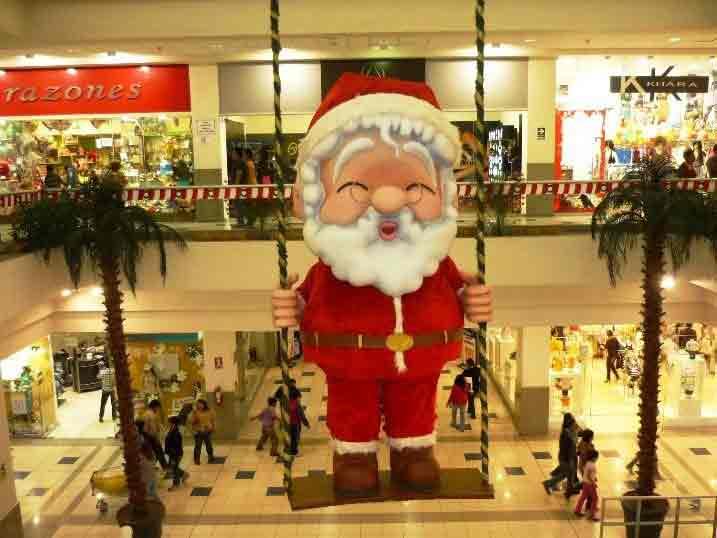 Dekorasi Mall Untuk Natal dan tahun baru