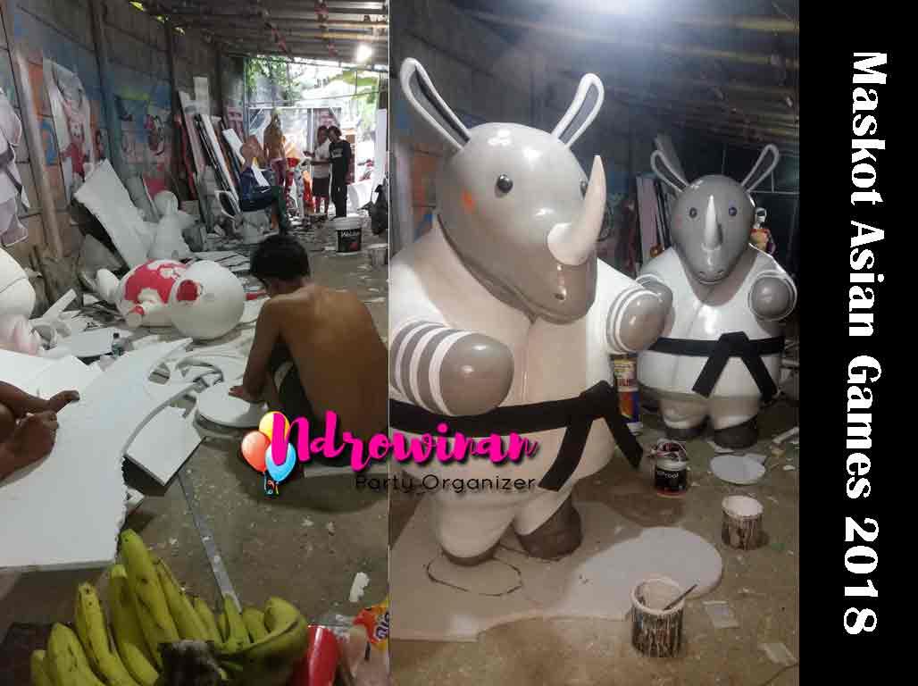 proses pembuatan patung styrofoam di workshop ndrowinan