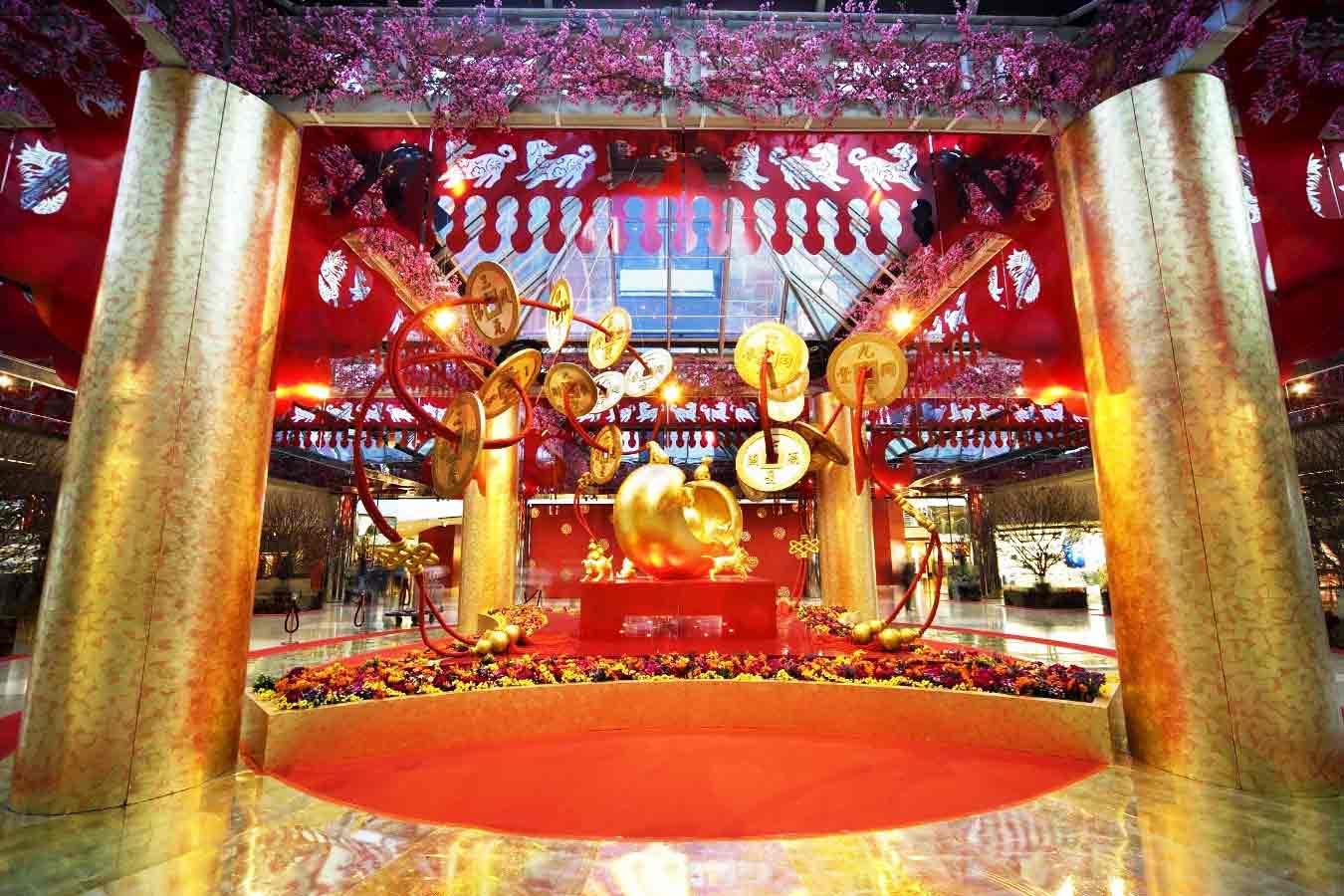 dekorasi imlek gapura emas dan merah styrofoam