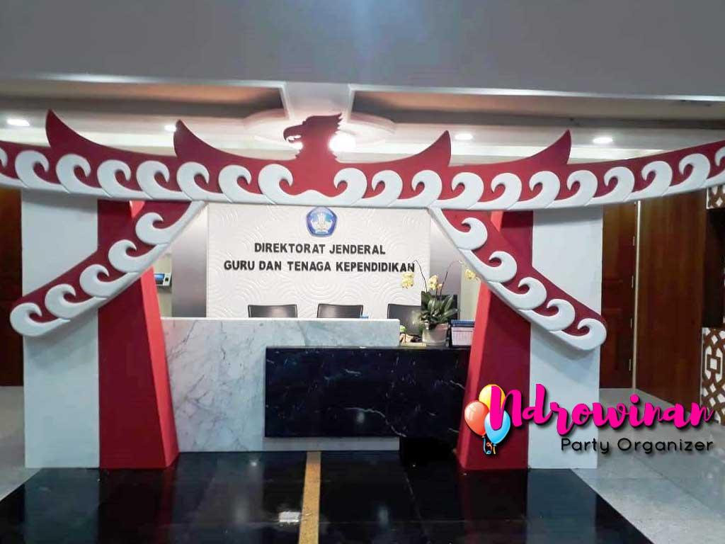 dekorasi hut ri kantor dirjen DIKTI