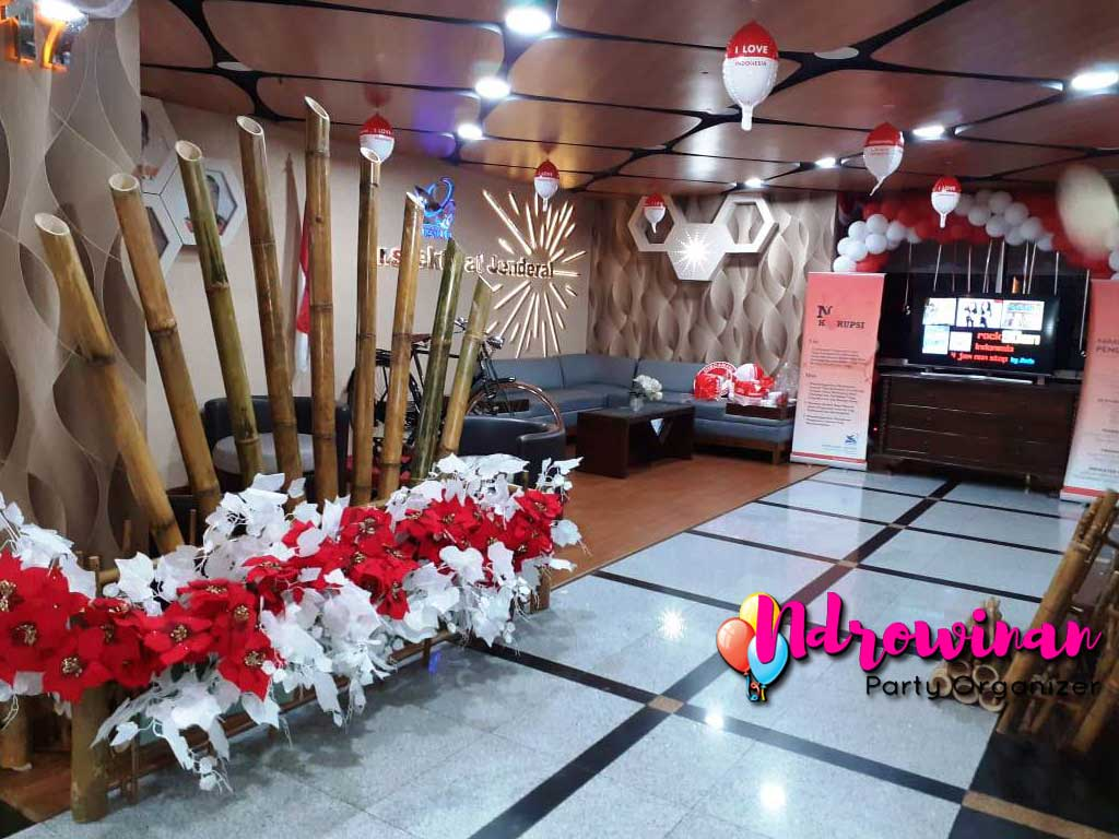 dekorasi hut ri kantor kemendikbud