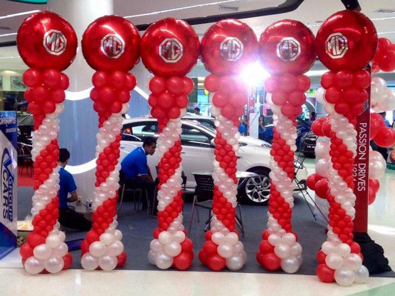 Balon dekorasi showroom mobil tema HUT RI