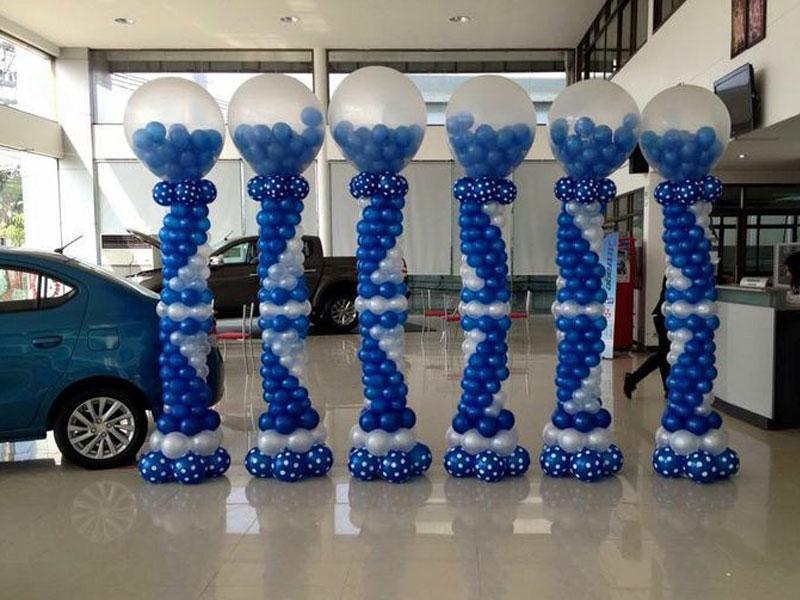 Dekorasi Dealer Showroom Mobil balon Standing
