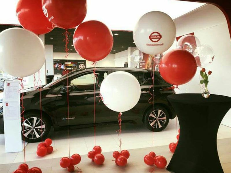 Dekorasi balon dealer showroom mobil nissan