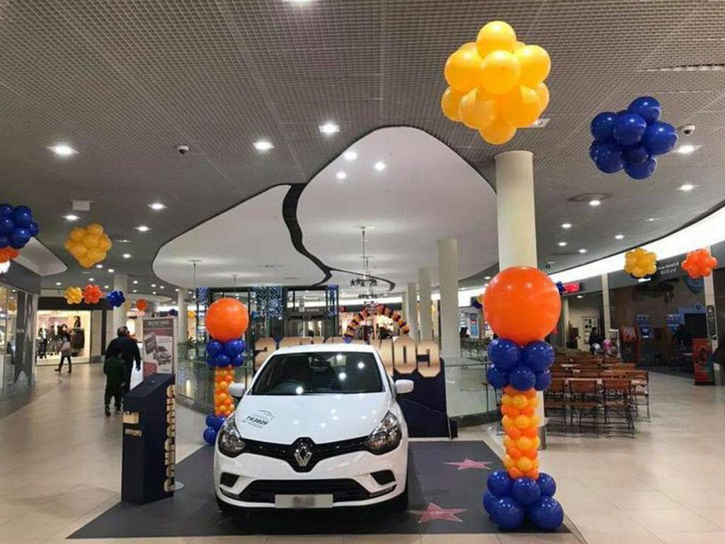 Dekorasi balon dealer showroom mobil