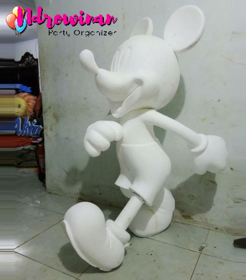 patung gabus styrofoam karakter mickey mouse