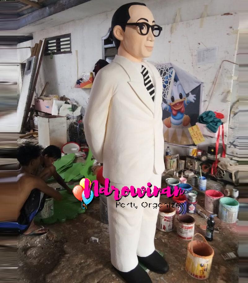 pembuatan patung styrofoam orang bung hatta